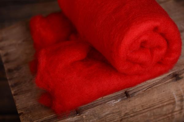 Couverture en laine naturelle rouge