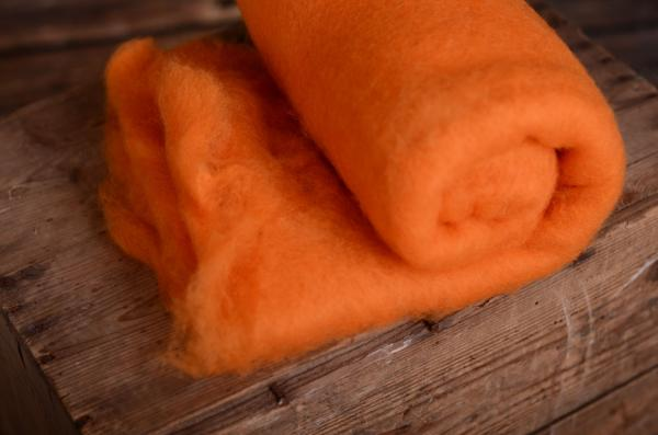 Couverture en laine naturelle orange
