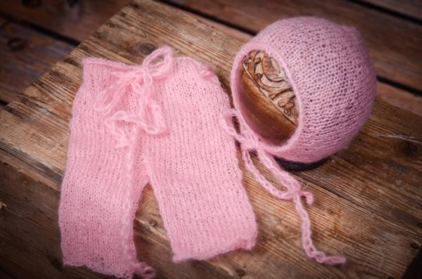 Ensemble en mohair pantalon et bonnet rose
